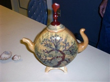 TEAPOT  DESIGN SIDE BY RAY ROBERT