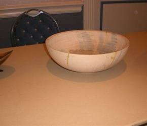 POPCORN BOWL OR SALLAD BOWL BY LARNIE CROSS